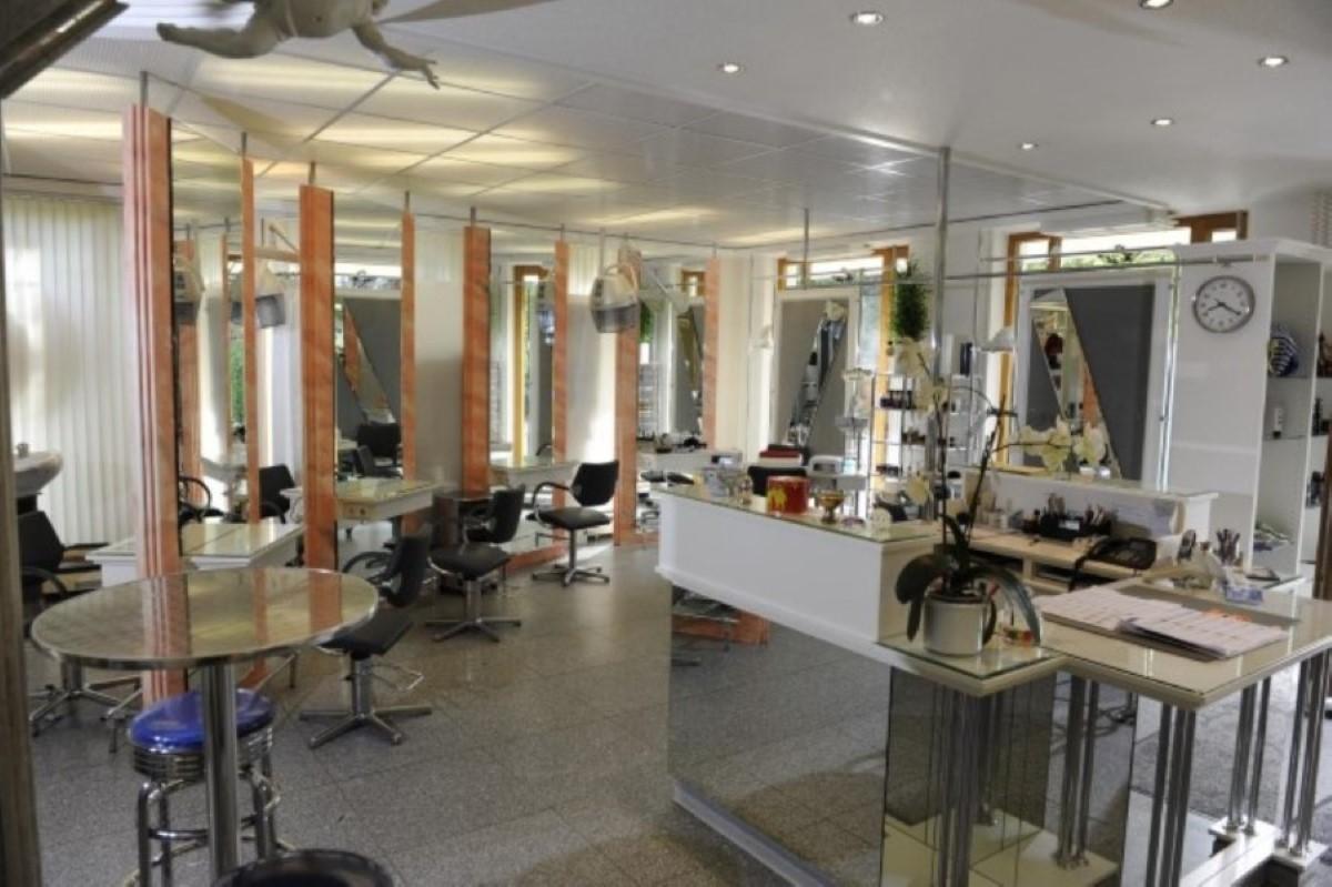 A Fodrász Salon